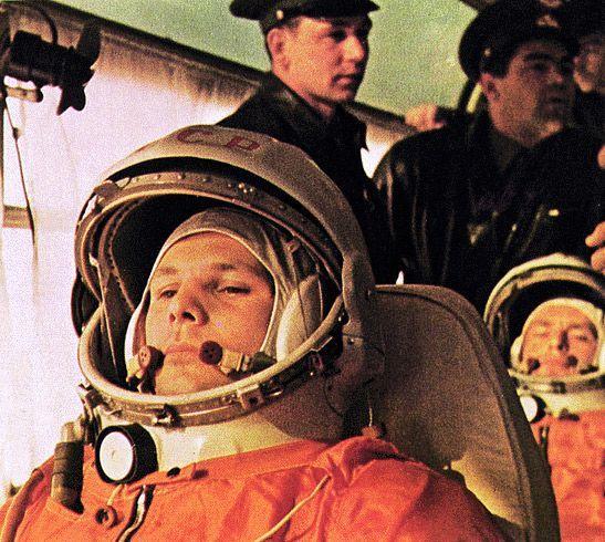 С ДНЁМ КОСМОНАВТИКИ! Сто фотографий с Юрием Гагариным Первое место в мире