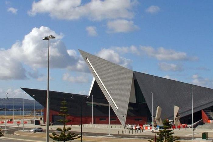 Геометрические формы культурного центра в городе Олбани
